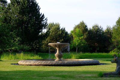 Grand Single Tier 3m Sandstone Stone Water Fountain Feature