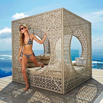 Cube Rattan Super King Daybed Garden Furniture