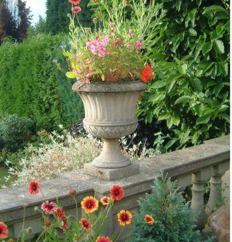Kensington Stone Plant Urn - Garden Planter
