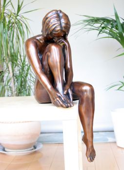 Large Apres Le Bain Bronze Sculpture - Nude Female Figurine