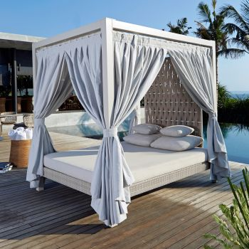 Strips Rattan Super King Four Poster Day Bed