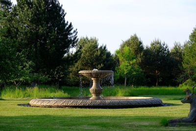 Grand Single Tier 4m Sandstone Stone Water Fountain Feature