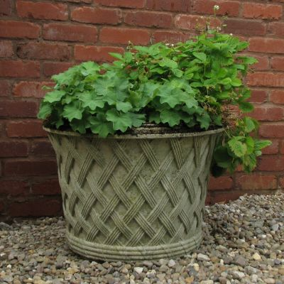Jardinier Basket Weave Stone Plant Urn - Garden Planter