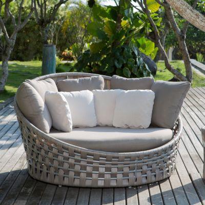 Strips Round Rattan Daybed Sofa Garden Furniture