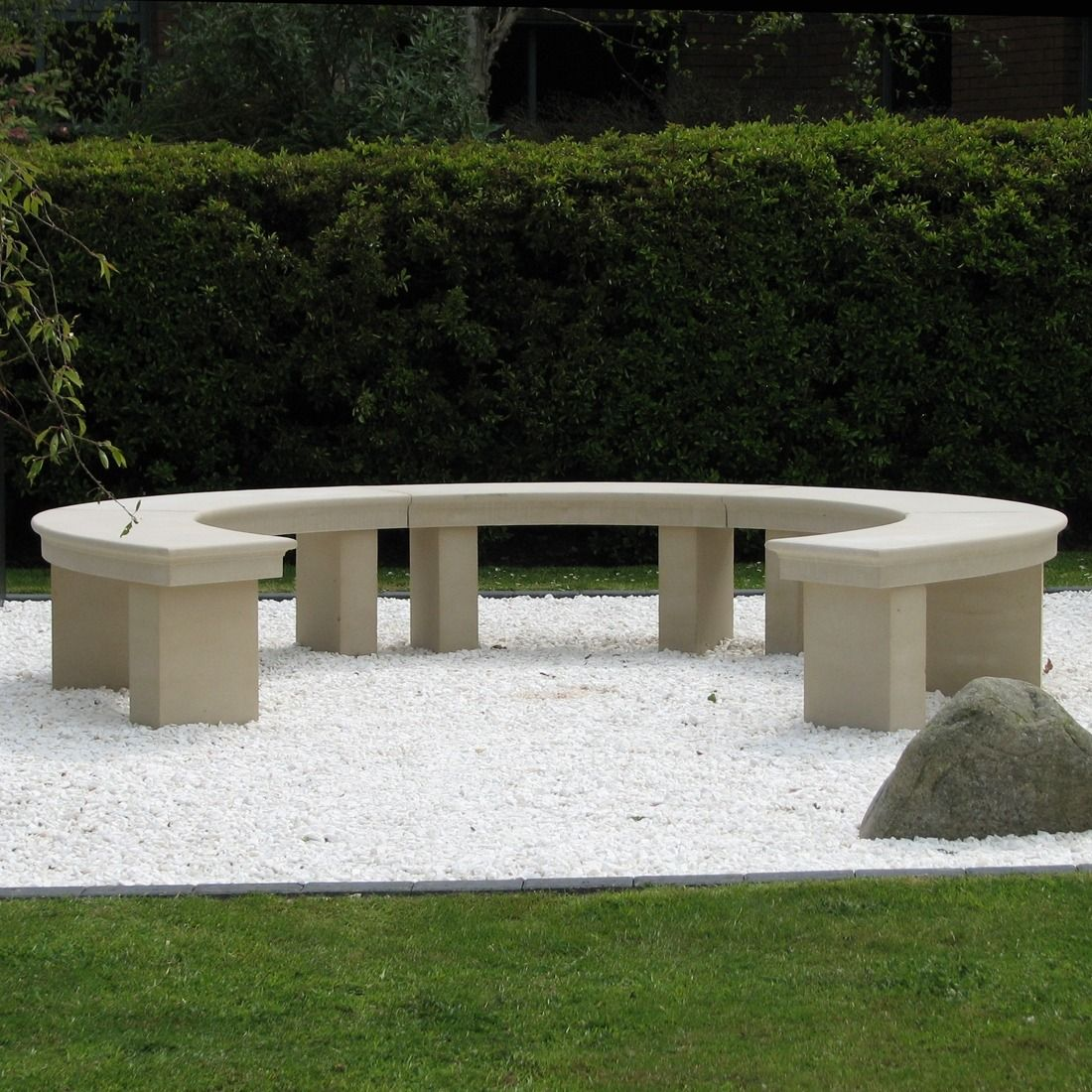 Picture of: Modern Grand Curved Stone Bench Large Garden Benches